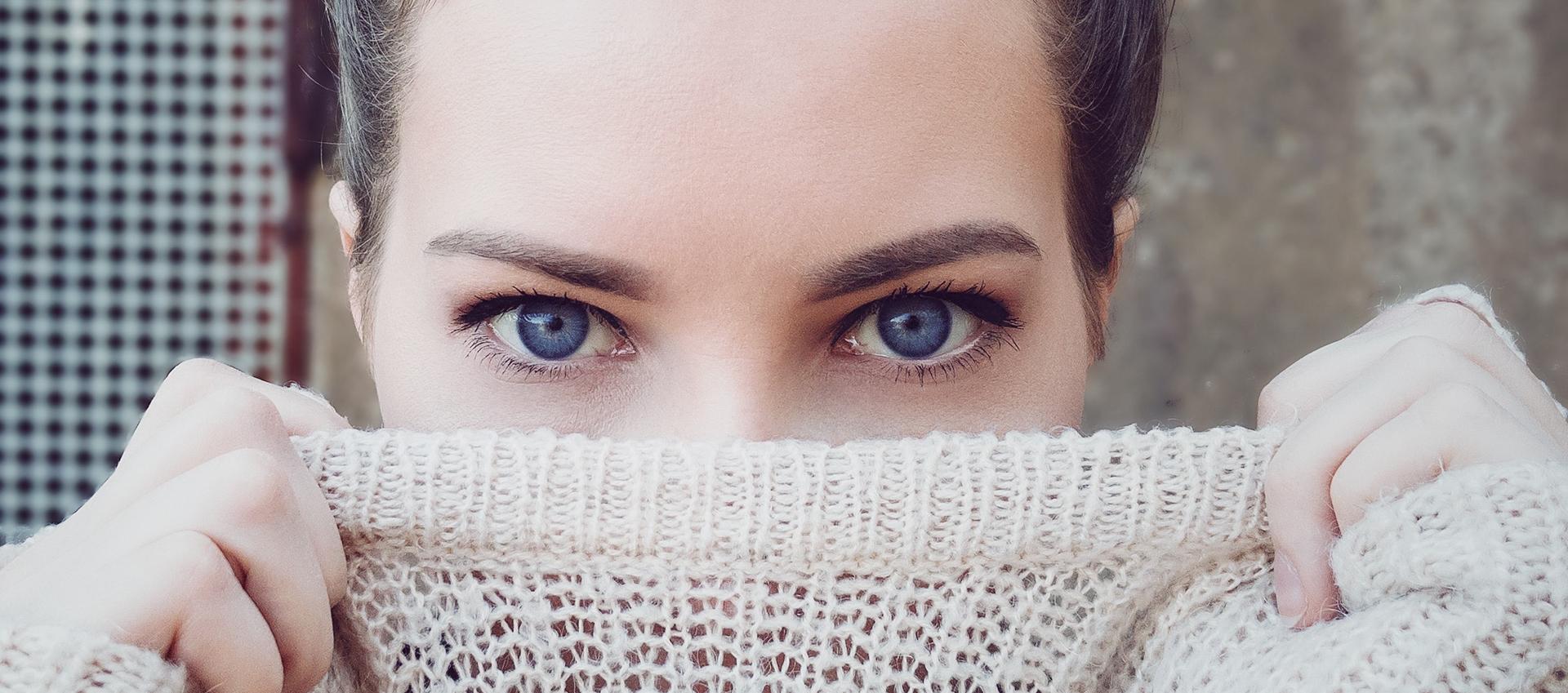 Rouge Poivré - Huile dans les yeux